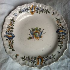 Fayence plate - France - second half XVIII century.