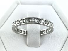 18 kt gold wedding band fully encircled by old cut diamonds, H/VS-SI, of 0.75 ct in total - No reserve price