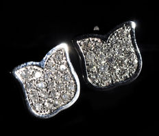 UnoOAErre – White gold earrings with brilliant cut diamonds from the 'Tulipano' series