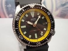Seiko - Scuba Divers 150m Water Resistant - Large Gents model 7002-7001 Wrist Watch - c.1991