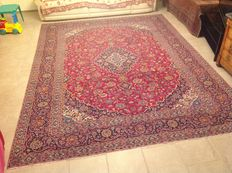 Persian semi-antique rug from Kashan, hand-knotted, 410 x 300 cm. 1950-1960s