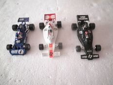 Corgi Toys - Scale 1/36 -Tyrell Ford Formula 1 No.158, Shadow Formula 1 No.155 and Shadow Embassy No.156