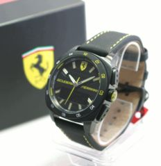 Scuderia Ferrari Aero Evo chronograph, diameter: 47 mm, never worn