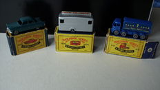(Moko) Lesney Matchbox - Various scales - Mobile Canteen No.74, Foden Sugar Container No.10 and Ford Zodiac No.33