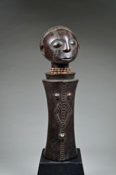 Mpundu figure  - TABWA - Democratic Republic of Congo