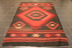 Beautiful, old, Oriental carpet Berber kilim wedding carpet circa 1930, 160 x 235cm, made in Morocco