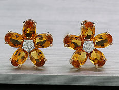 A pair of citrine brilliant ear studs in total 3.86 ct, 750 rose gold -- no reserve price --