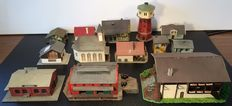 Vollmer/Piko/Pola/Herpa - Lot with house, factory and lighthouse