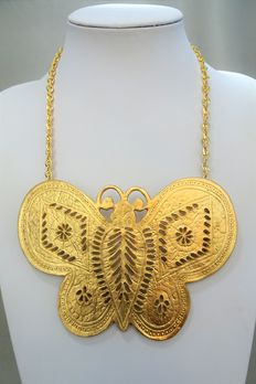 Signed KENNETH LANE -  Enormous gold tone plate butterfly necklace