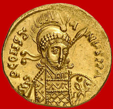Byzantine Empire - Constantine IV Pogonatus (668 - 685 A.D.) gold Solidus (4,31 g. 19 mm.) from Constantinople mint, 681 - 685 A.D. VICTORA AVGYe. Rare, specially in this top quality condition.