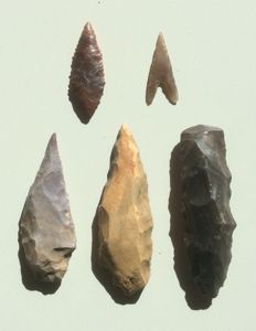 Neolithic Jasper and Flint daggers, drawbar axe and appexes - 38/83 mm (5)