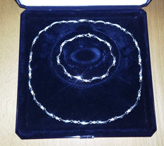 White gold, new, elegant jewellery set, necklace + bracelet, with matte and shiny parts