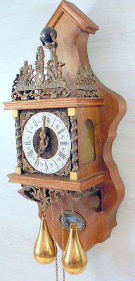 Zaandam oak clock - 2nd half of the 20th century