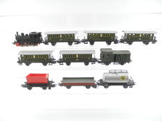 Märklin H0 - 3029/e.a. - small steam locomotive, 3 freight carriages, 5 passenger carriages and 1 baggage car, old edition with sliding doors [540]