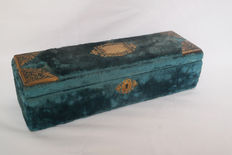 A French velvet and silk glovebox with gilded fittings - ca. 1890
