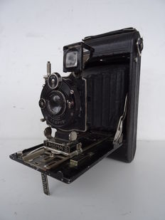 Vintage camera KODAK 3 Series III Autographic – lens TESSAR 6.3/13 cm –  Model from the 1920s