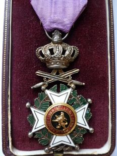 Knight of the order of Leopold medal in box, 20th century