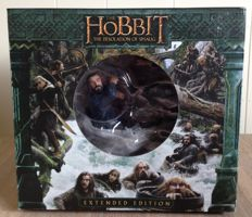 The Hobbit Desolation of Smaug - 3D extended collector's edition blu-ray boxset - comes with statue from WETA and loads of specials on blu-ray