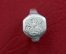Medieval silver ring , decorated with a pattern shaped spider - 20 mm x 20 mm