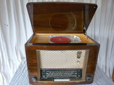 Erres/KY5474 tube radio + record player