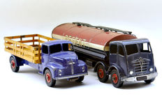 "Dinky (Super)Toys - Scale 1/48 - lot with Leyland Comet Lorry No.531 and Foden 14-Ton Tanker ""Regent"" No.942"
