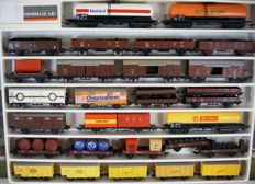 Lima H0 – Lot with twenty-nine freight cars from several companies.