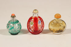 Lot of 3 snuff bottles – China – 2nd half 20th century