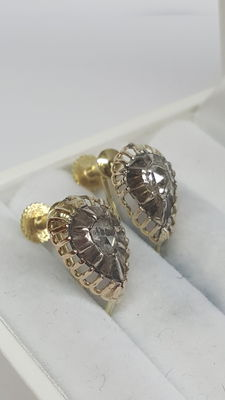 Earrings in 14 kt yellow gold set with rose diamond