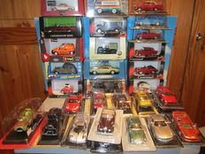 Various Manufacturers - Scale 1/43 - Lot with 30 Models: VW, Citroen, Jaguar, Lotus, Aston Martin, BMW, Mercedes-Benz, Ford, Buick, Land Rover & Bentley
