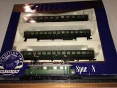Minitrix/Arnold N - 0312/12650 - E-locomotive E44 and 3-piece express train carriage set type X of the DB