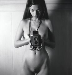 Photo ; Andrew Kaiser - Nude with camera - 2017