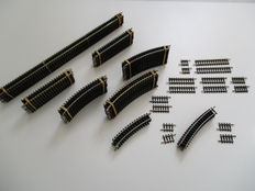 Minitrix N - 4902/03/04/05/06/07/08/09/12/14/16/22/24/26 – 90-piece package rails and adjusting pieces