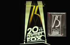 Crystal Icon - 20th Century Fox - Celebrating 75 years - cm 10 x 7,5 x 3 Crystal