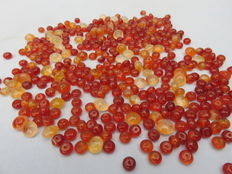 Collection of approx. 400 carnelian stone beads – India – 17th / 18th century