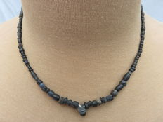 Roman necklace with black iridescent glass beads - 42 cm.