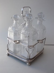 Beautiful Set of 4 bottles in glass liquor with plate silver plated English Sheffield Period 1840