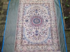 Hand-knotted, Persian, Nain rug, 21st century, 290 x 196.