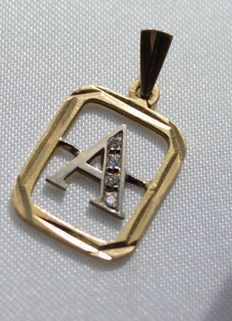 Yellow gold pendant - letter A