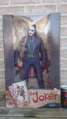 NECA The Dark Knight - The Joker (Heath Ledger) Action Figure (1/4 Scale)
