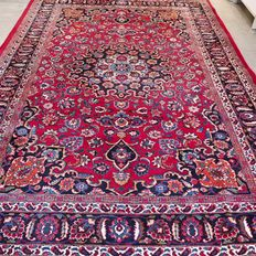 Beautiful signed Mashad Persian carpet – 300 x 202 – With certificate