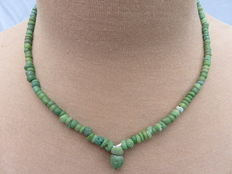 Roman necklace with green iridescent glass beads - 47 cm + 1.5 cm.