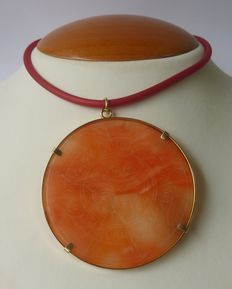 Necklace with 18 kt Gold clasp and Pale Pink Coral