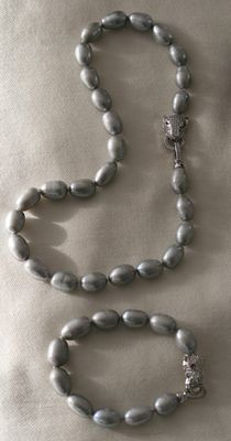 Natural, grey, freshwater pearl set, silver 925/1000 clasp, necklace 45 cm, bracelet 20 cm.