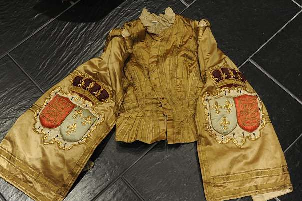 Beautiful page jacket, House of Bourbon, France, 19th century