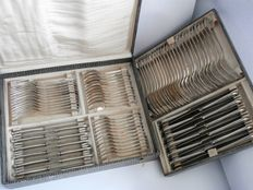 Solingen - heavy silver-plated Art Nouveau cutlery for 12 persons in box - 84 pieces