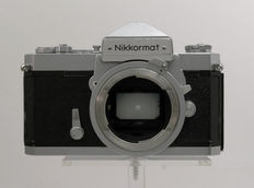 NIKON NIKKORMAT FT Single-lens reflex camera with Vivitar 28 mm f/ 2.5 (Kino, Kiron) Lens