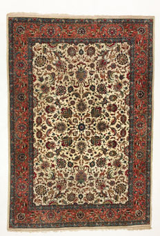 Persian rug Super nice and finely knotted Tabriz. High quality, 285 x 200 cm