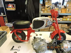 Honda - CZ100 white tank project - from 1963