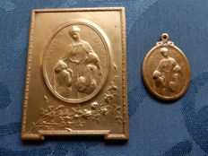 The Flower of the Orphan - I help and give comfort  - WWI bronze Jugendstil Medals -  by Devreese (1861 - 1941)