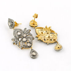 Silver and gold earrings with 14 flat diamonds and 241 brilliant antique cut diamonds